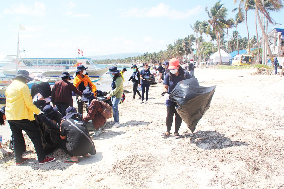Photo of 64% of Pinoys support Boracay rehabilitation