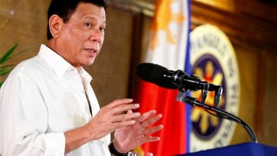 """Photo of Duterte to Agrarian Reform Officials: """"Do Your Jobs Fast or I'll Fire You"""""""