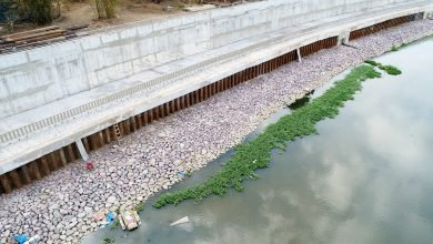 Photo of DPWH constructs river wall on Marikina River