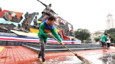 Photo of Manila: Scrubbing Clean the Monument to our Pride