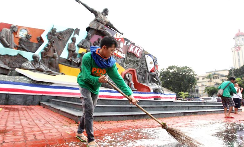 Manila: Scrubbing Clean the Monument to our Pride