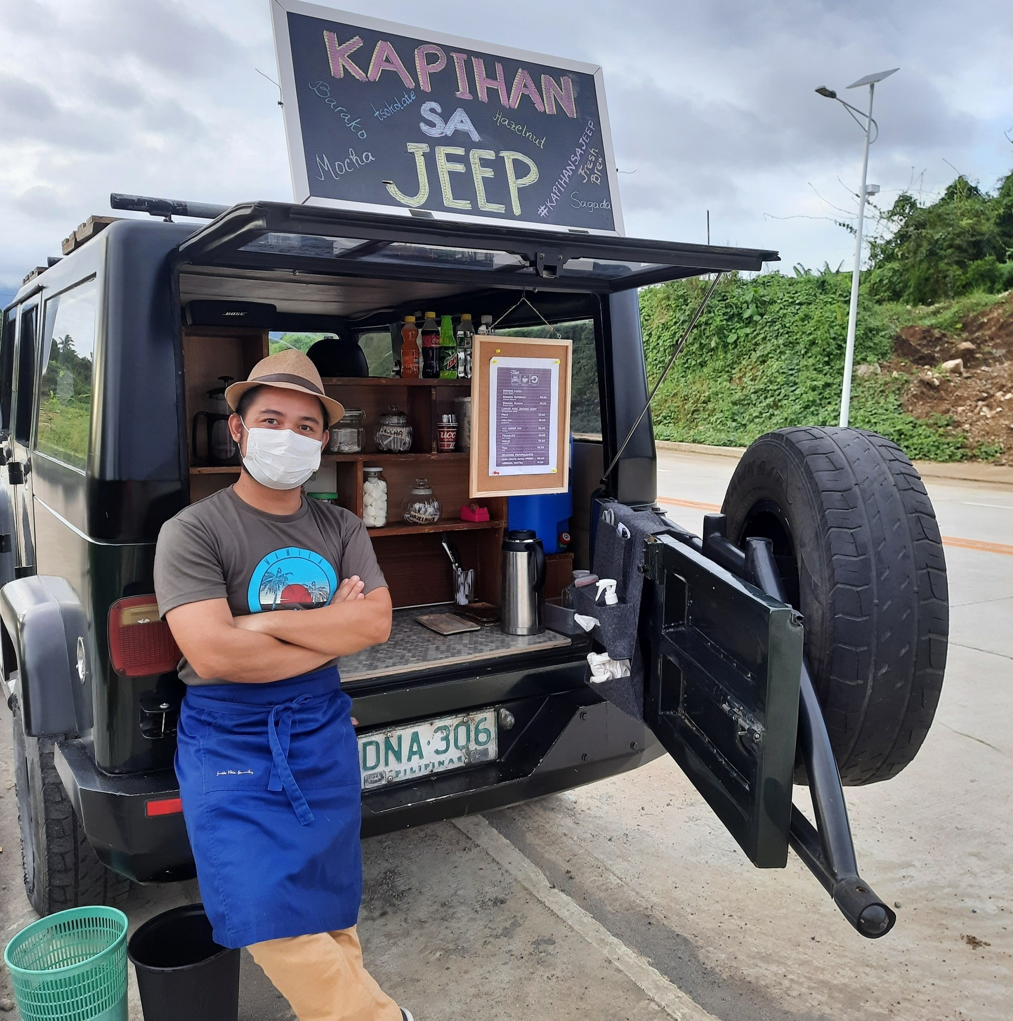 Stylish! This mobile coffee shop gets you your brew from the back of a Jeep!
